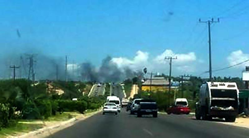 Aparatoso incendio de basurero clandestino en colonia Buenos Aires
