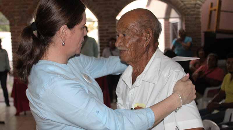 Entregan Pensiones Humanitarias a 40 Personas de Comondú