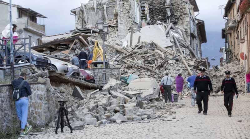 Suman 120 los muertos y 368 los heridos por terremoto en Italia