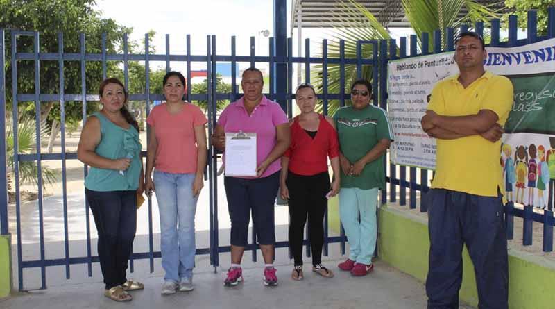 Exigen padres de familia maestro para grupo de cuarto grado en Primaria Encarnación Cosío Avilés en Villas de Cortez