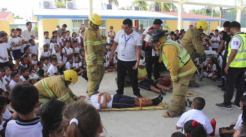Realizan simulacro de sismo en escuela primaria Paula Olachea Montejano