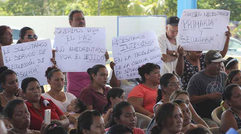 Juntos encontraremos solución al problema de regularización de la tierra en La Ballena: Gobernador