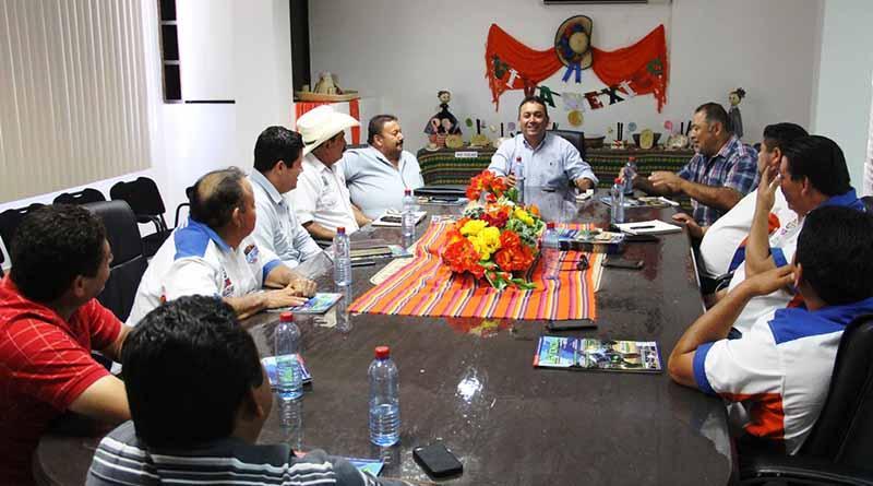 Reunión con integrantes de la Asociación Estatal de Automovilismo