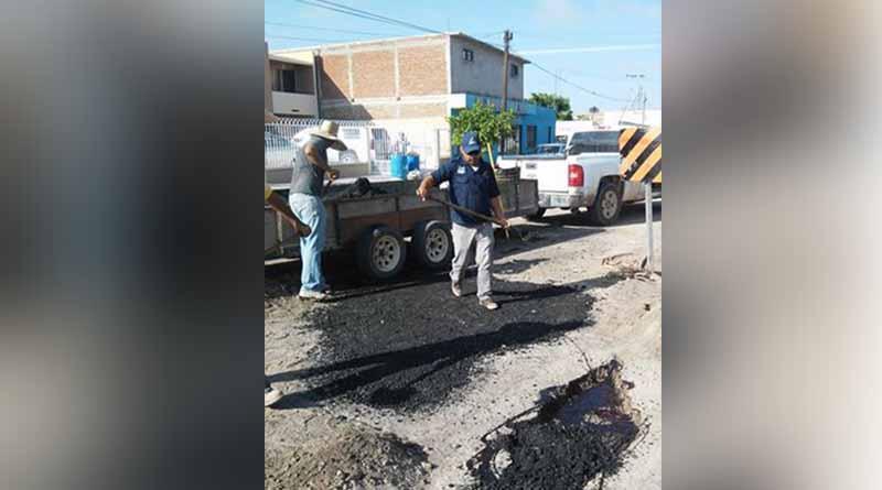 Inicia el Ayuntamiento de Comondú Programa Emergente de Bacheo