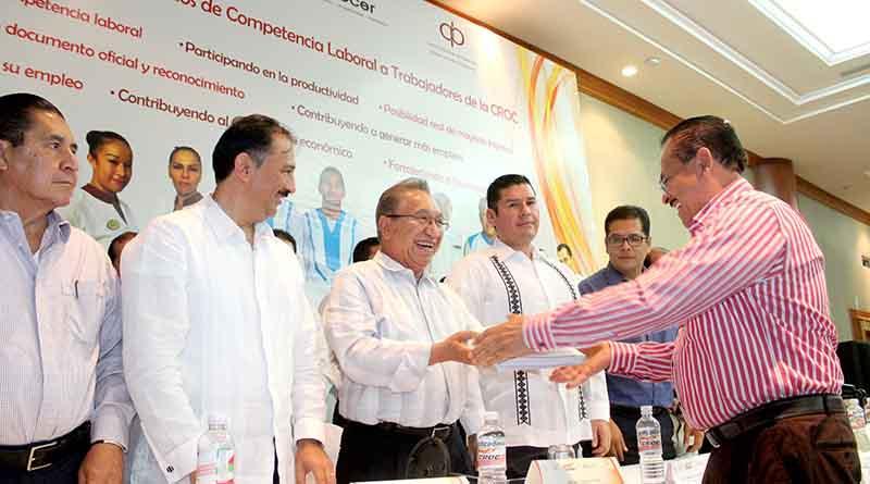 Productividad, eje central del mejoramiento salarial: Isaías González Cuevas