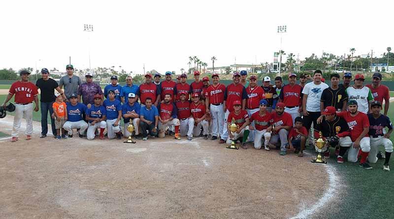"""Concluye torneo de béisbol """"Campeón de Campeones"""" en SJC"""
