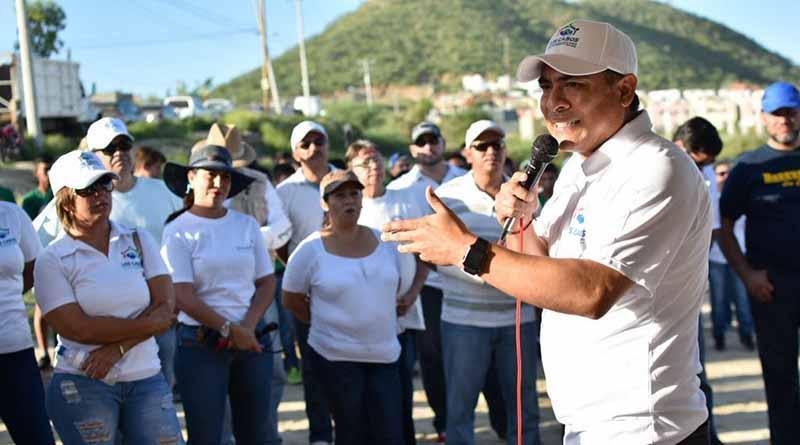 Nos corresponde a la sociedad y gobierno rehabilitar nuestro municipio: Arturo De la Rosa