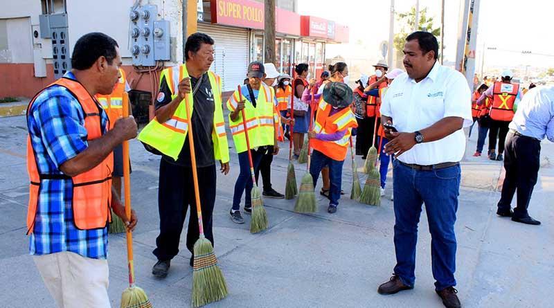 Inicia Gobierno Municipal campaña de empleo temporal para limpieza de vialidades