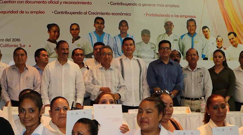 Unidos sociedad y gobierno en el desarrollo económico de BCS: Álvaro de La Peña