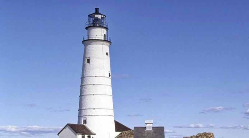 Faro de Boston sigue brillando tras tres siglos