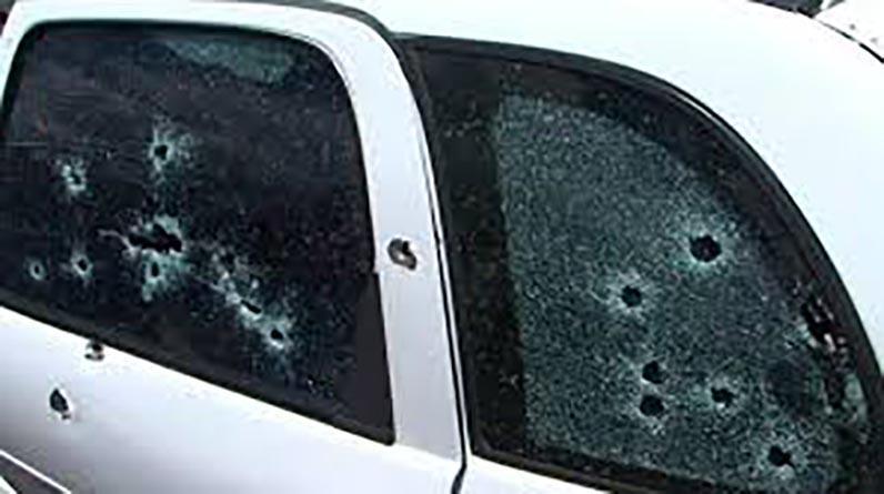 Localizan en las inmediaciones de la Candelaria vehículos con impactos de bala y sangre