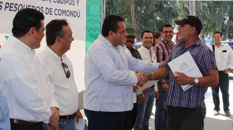 Reitera Carlos Mendoza compromiso con sectores productivos