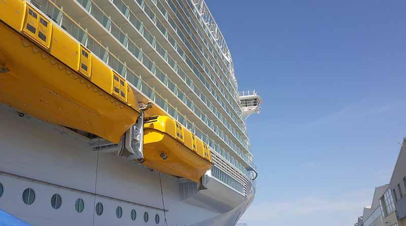 Accidente en crucero más grande del mundo causa un muerto