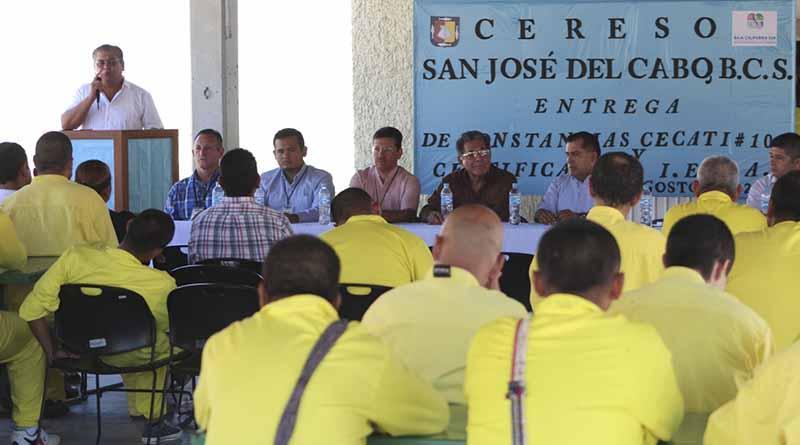 Reciben internos del Centro de Reinserción Social de Los Cabos certificados de primaria y del Cecati