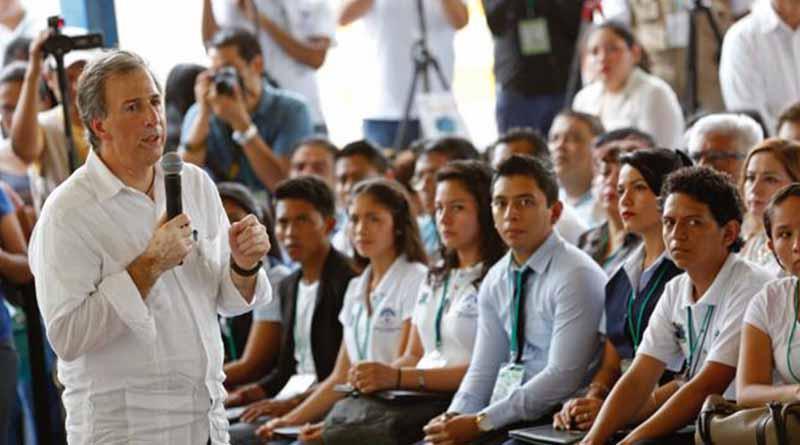 Sedesol afilió al IMSS a 6.6 millones de estudiantes de prepas y universidades públicas de todo el país