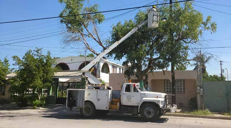 Servicios Públicos trabaja en la reparación de luminarias