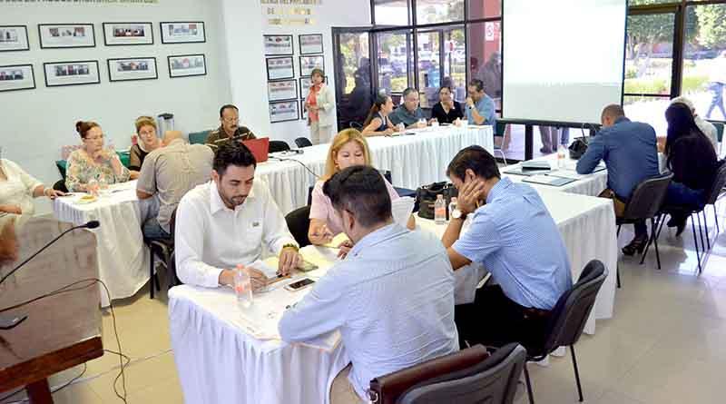 Se realizan mesas de trabajo para la modificación de la normatividad para los jóvenes de BCS