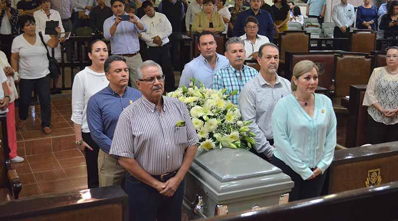 Rinde Homenaje el Congreso del Estado a Paulino Molina