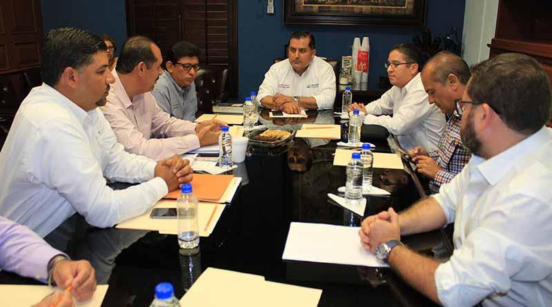 Avanza gobierno municipal con transición de direcciones al gobierno del estado