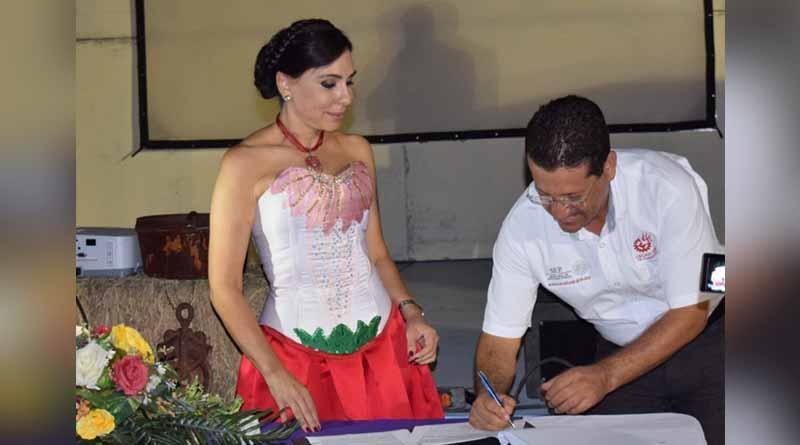 El instituto de las mujeres firma convenio de colaboración con el CECATI 106