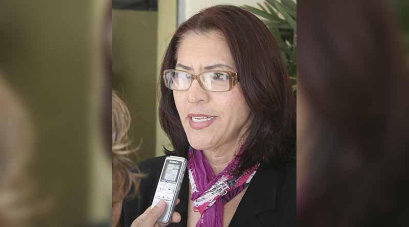 Reconocen a Georgina Hernández por la trayectoria en derechos de las mujeres