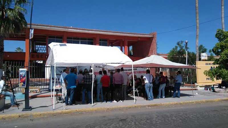 Sin acuerdos para levantar paro en la BENU La Paz