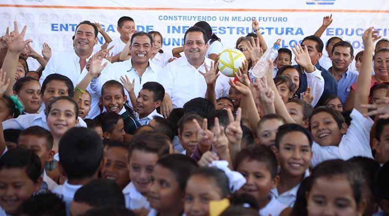 Entrega gobernador más y mejor infraestructura física educativa en Los Cabos