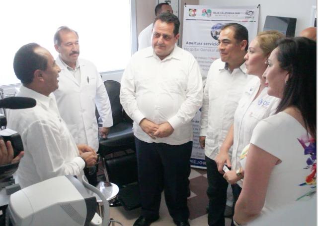 Inaugura gobernador especialidad de oftalmología en el municipio de Los Cabos