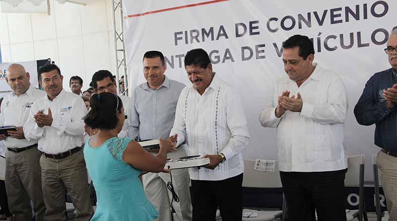 Hay voluntad del Gobierno Estatal y Municipal en gestionar apoyos parar las familias paceñas: Armando Martínez Vega