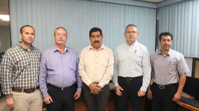 Entregan nombramiento al Rumualdo Ramírez Gutiérrez como nuevo director de educación secundaria de SEP