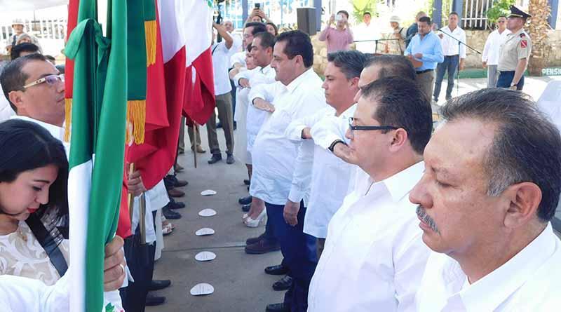 Abandera gobernador Carlos Mendoza a jueces y juezas del municipio de los cabos
