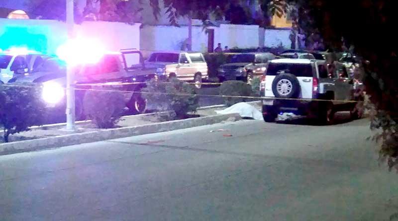 Hummer atropella y mata a una mujer y lesiona de gravedad a niño en La Paz