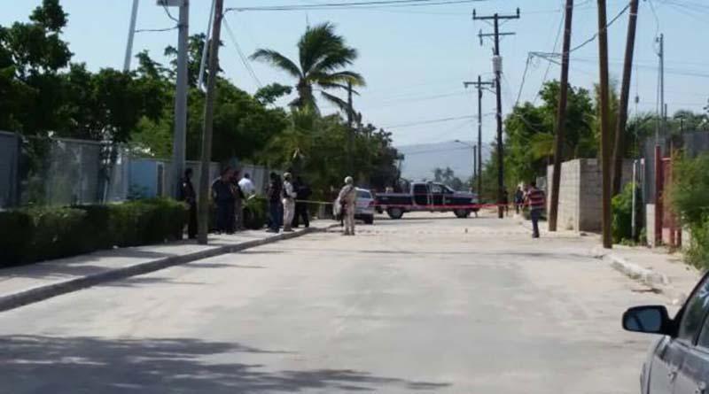 Asesinan a tiros a una persona en su carro en San José del Cabo