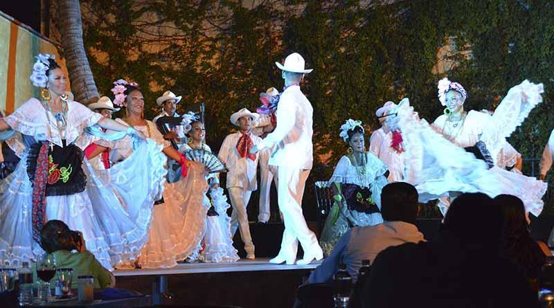 Espectáculo del Ballet Folclórico Nacional nos traslada a un mundo de magia y tradición mexicana