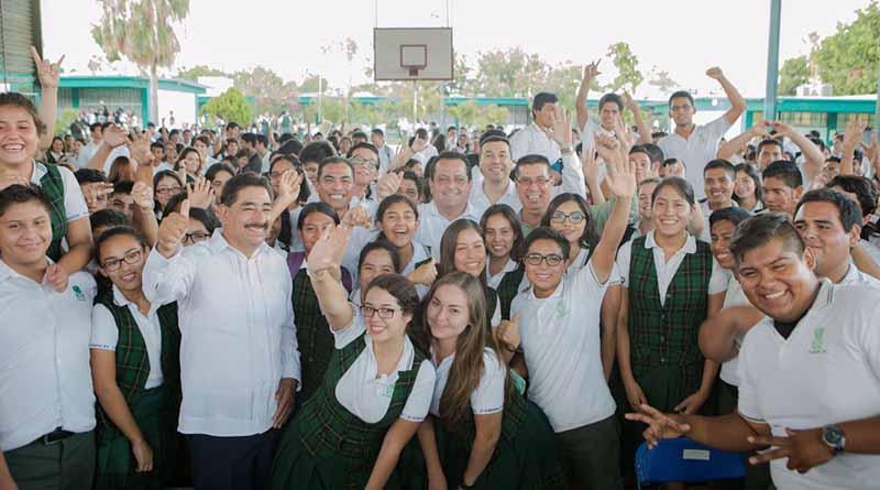 Mejores espacios para los estudiantes de CONALEP y UABCS en los Cabos: CMD