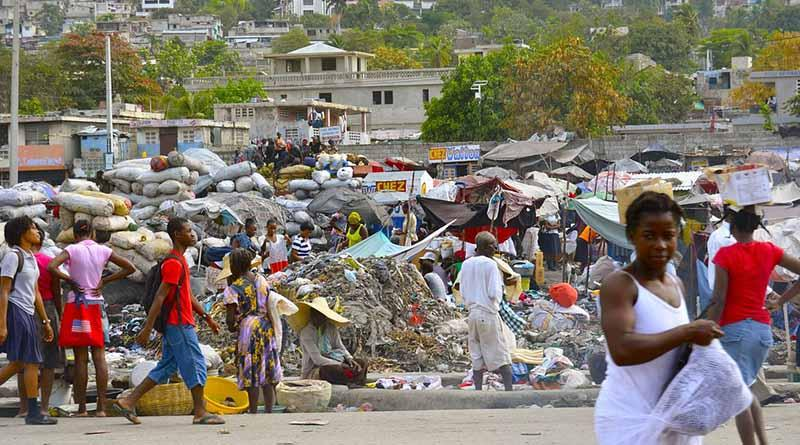 Dona el Papa 100 mil dólares para afectados del huracán Matthew en Haití
