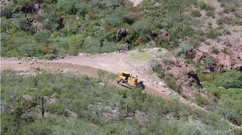 Trabaja JEC en dar acceso a caminos rurales