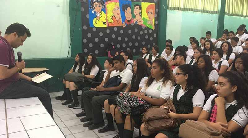 """Novelistas, cronistas y poetas enriquecen programa """"Lectura en Voz de su Autor en Los Cabos"""""""