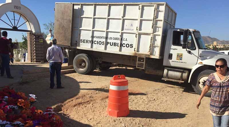 Habilita y resguarda gobierno municipal panteones por el día de muertos