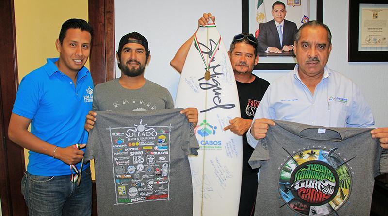 Agradecen surfistas apoyo al presidente municipal de Los Cabos