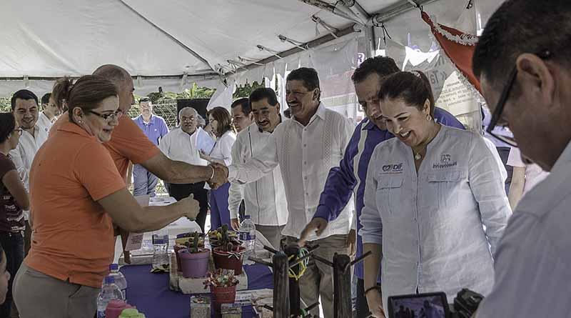 Participa Ayuntamiento de La Paz en la Feria de Servicios