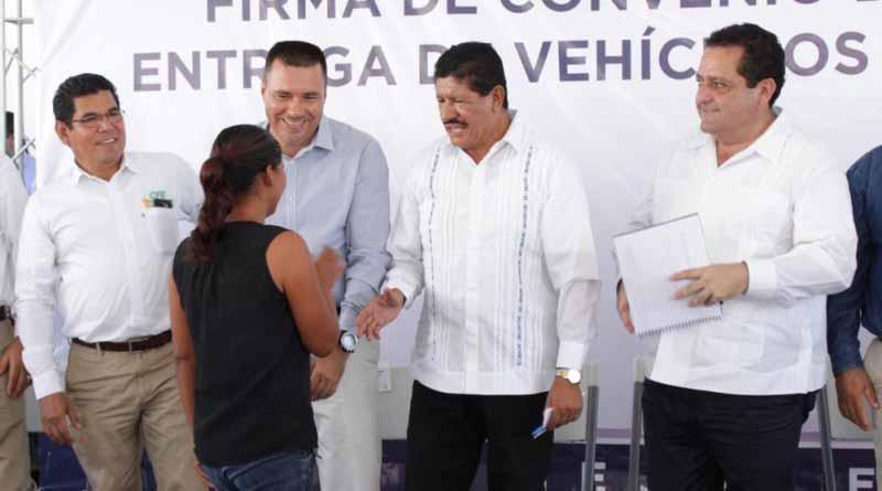 Avanzan trabajos de electrificación a cargo de la SEDESO en los 5 municipios