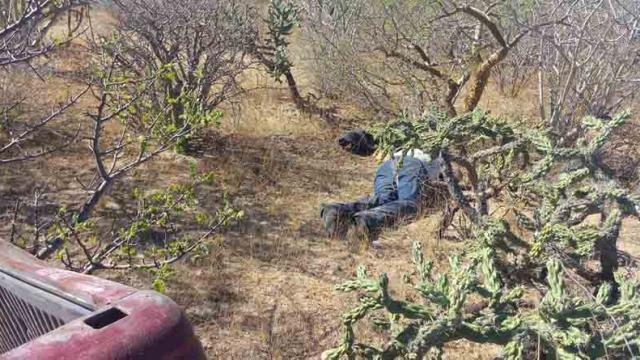Perdió la vida al volcar su camioneta en carretera La Paz-Cd. Insurgentes