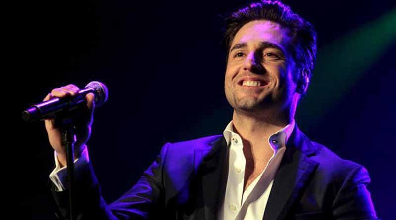 David Bustamante rinde homenaje a México con concierto