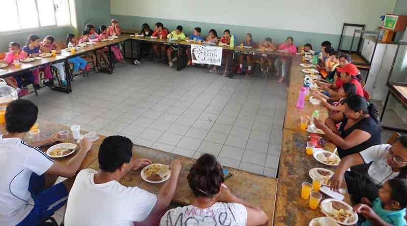 Fundación Letty Coppel protege a 100 niños de bajos recursos con programa de desayunos