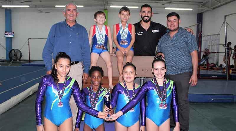 Cargados de medallas, regresan gimnastas de Hermosillo