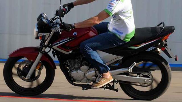 Detienen  a motociclista con 81 envoltorios de droga en SJC