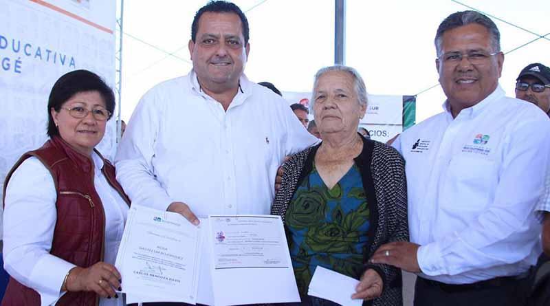 Entrega Gobernador obras y programas de Beneficio Social en Mulegé