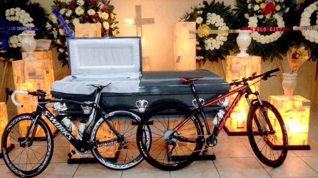 """Ciclistas de BCS """"pedalearán hasta el cielo"""" para despedir a su amigo acribillado"""