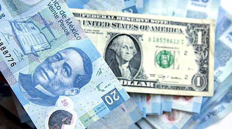 Dólar alcanza máximo histórico de 20.71 pesos por inminente triunfo de Trump